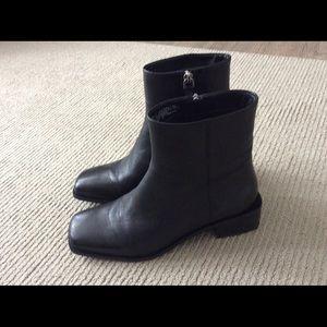 HM black boots.